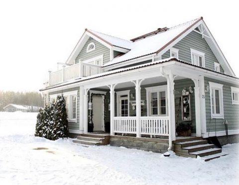 Kaikki näyttää niin kauniilta kun on lunta maassa. ❄️ Vit och ren snö gör omgivningen extra vacker ❄️ Kuva/foto: @jonnatykkaa  #teritalot #terihus #talopaketti #huspaket #finnishhome #suomalainenkoti #house #koti #hem