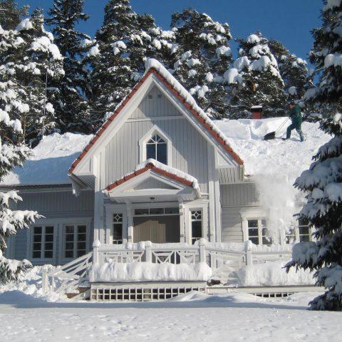 Oikein mukavaa viikonloppua kaikille! Muistakaa nauttia talvesta!  Trevlig helg allihopa! Njut av vintern!  #teritalot #terihus #talopaketti #huspaket #finnishhome #suomalainenkoti #koti #hem